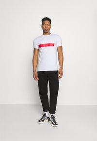 Antony Morato - SLIM FIT - Print T-shirt - bianco - 1