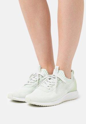 Joggesko - fresh mint