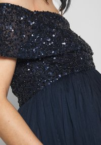 Maya Deluxe Maternity - OFF SHOULDER DELICATE SEQUIN DRESS - Vestido de fiesta - navy - 6