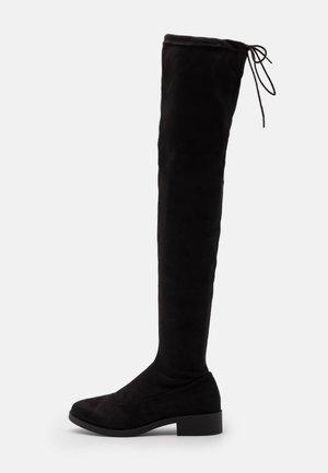 OLIVIA HIGH LEG FLAT - Kozačky nad kolena - black