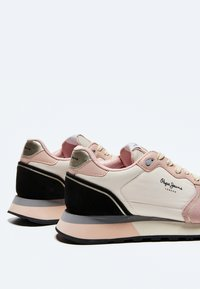 Pepe Jeans - DOVER BASS - Trainers - face - 4