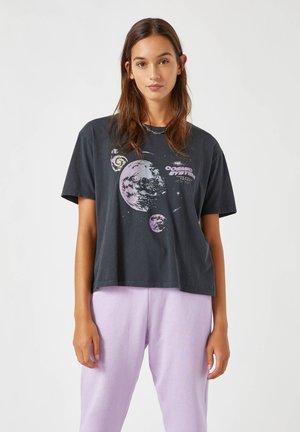 MIT PLANETEN-MOTIV - T-Shirt print - grey