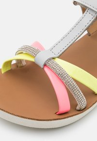 Shoo Pom - GOA SALOME - Sandals - light grey/fluo - 5