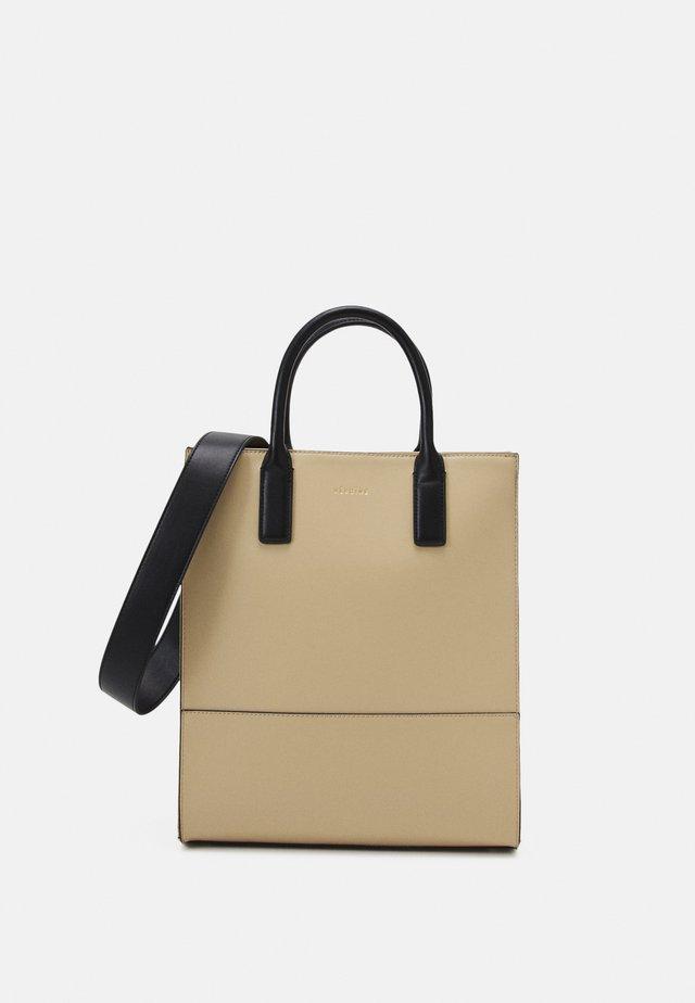 KIRA - Shopping Bag - oyster