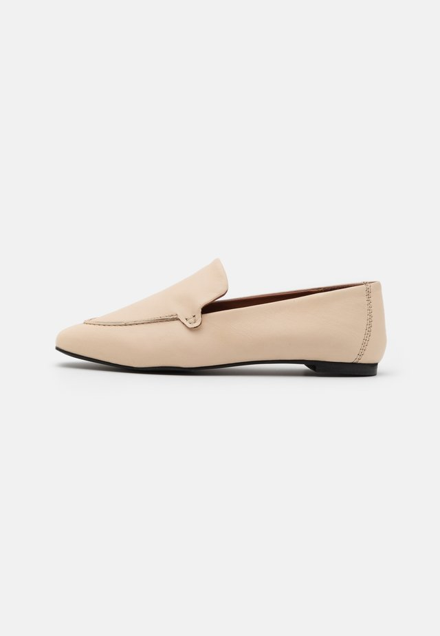 BASIC LOAFERS - Slip-ins - nude