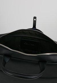 Calvin Klein - Taška na laptop - black - 4