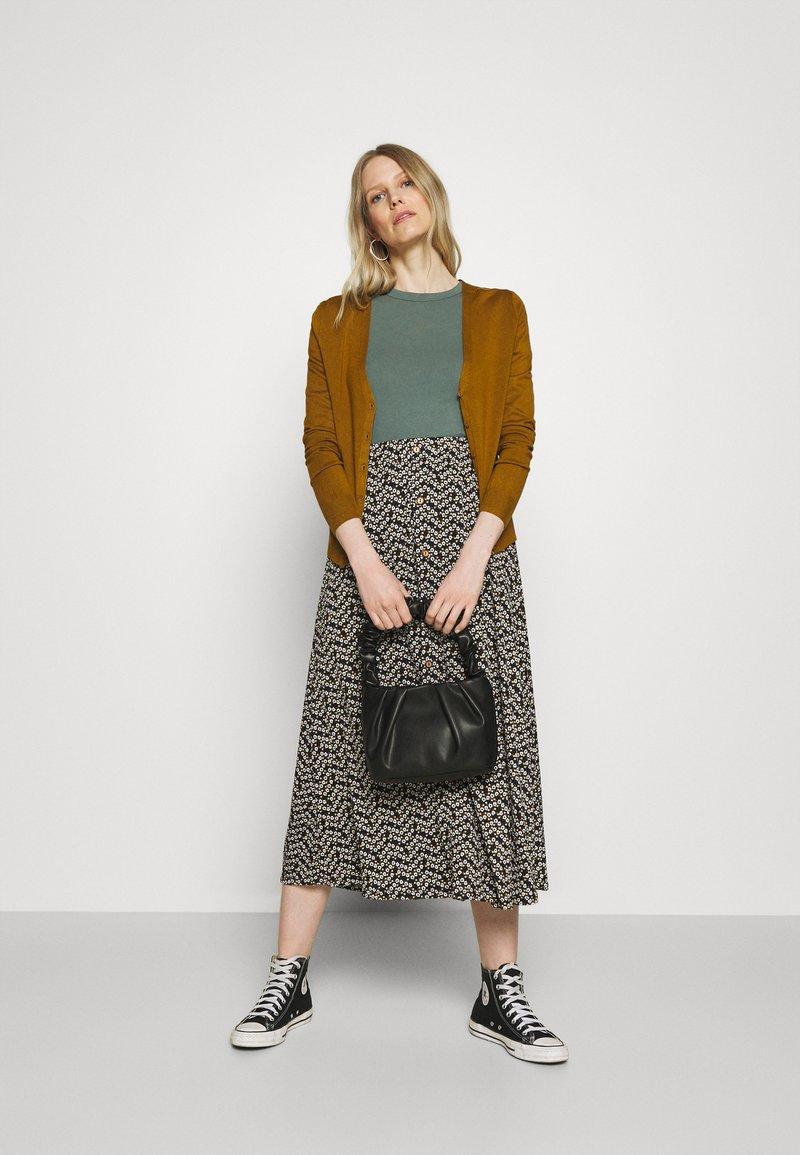 Anna Field - 2 PACK - T-shirts - light green/mottled grey