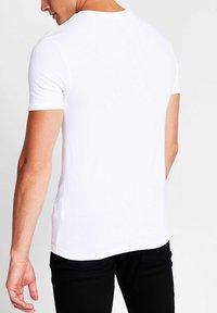 River Island - 5 PACK - T-shirt - bas - white - 2