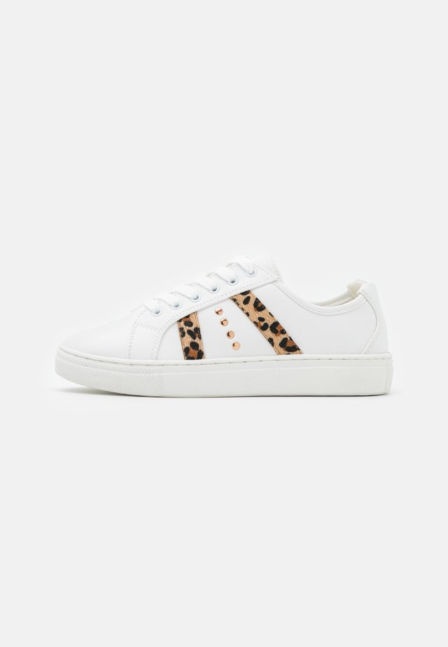 Sneakers laag - white/brown