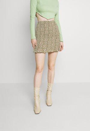 RUCHED MINI SKIRT FLORAL - Mini skirt - green