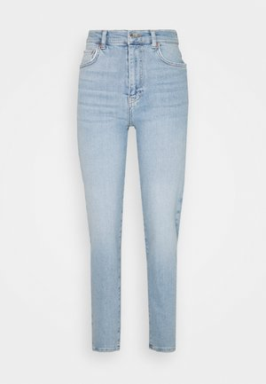 COMFY TALL MOM - Jeans Tapered Fit - sky blue
