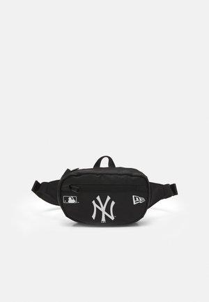 MICRO WAIST BAG UNISEX - Bum bag - black