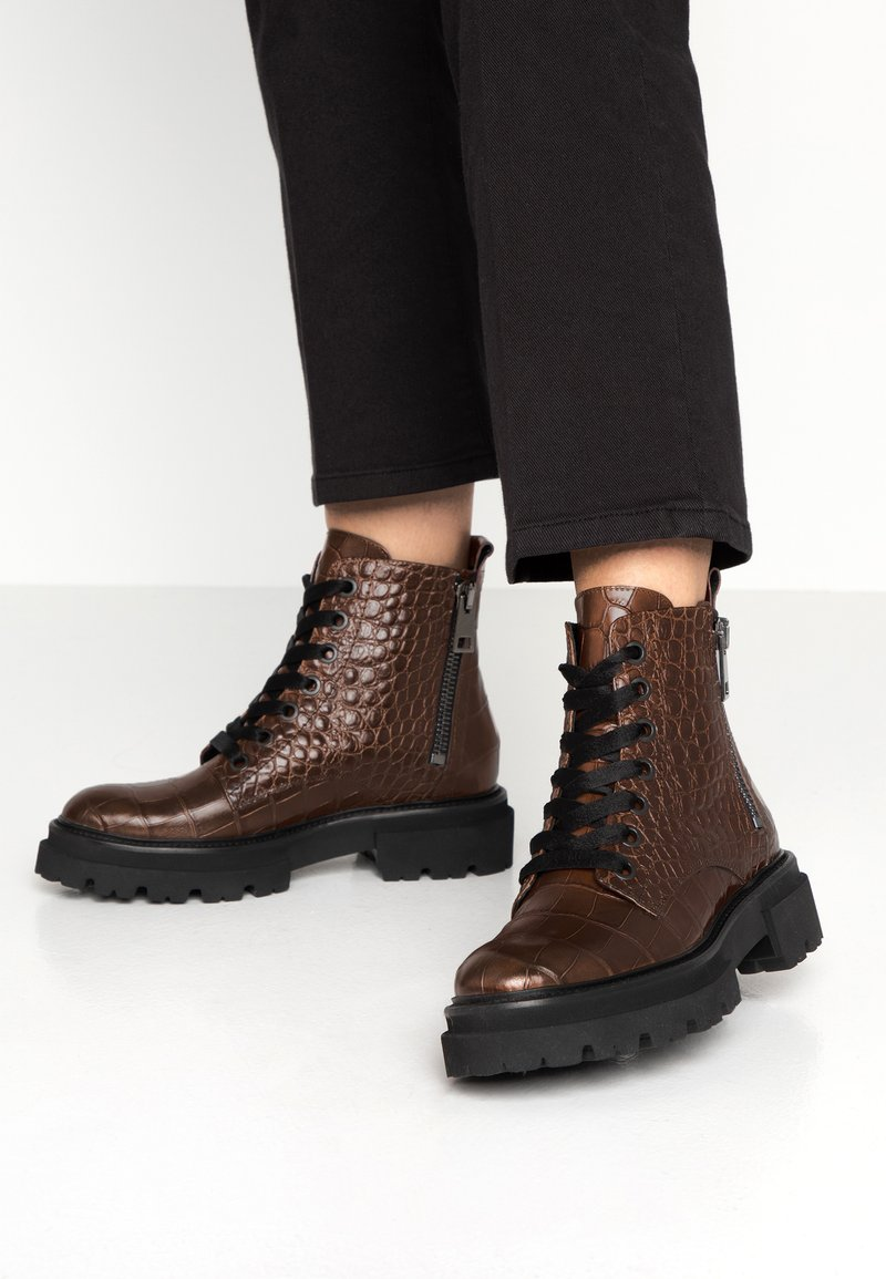 Kennel + Schmenger - BOBBY - Platform ankle boots - cognac