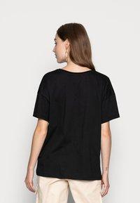 Even&Odd - T-shirt z nadrukiem - black - 2