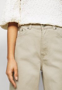 Dr.Denim Petite - ECHO - Relaxed fit jeans - cashew - 6
