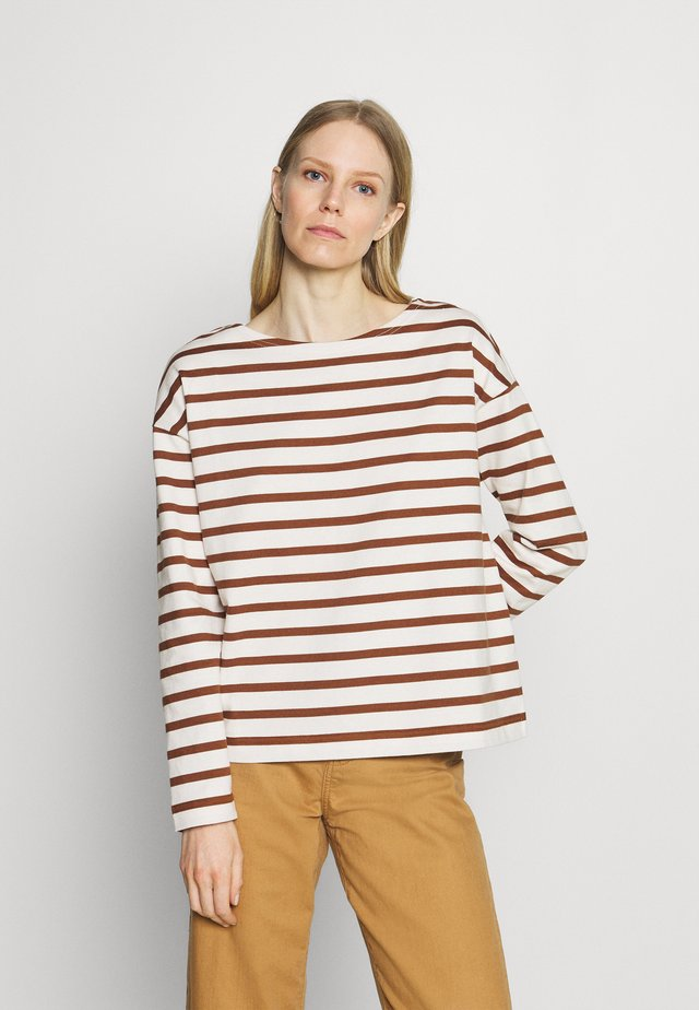 LONG SLEEVE BOAT NECK - Sweter - toffee brown