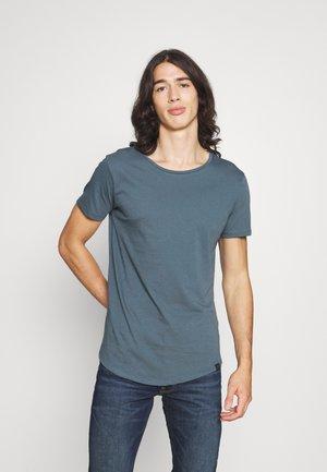 SHAPED TEE - T-shirt basic - dark slate