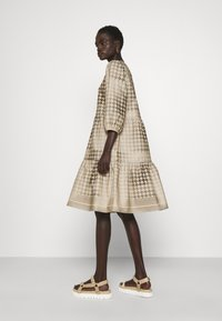 CECILIE copenhagen - RUBY SHORT DRESS - Denní šaty - frost grey - 2