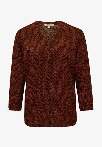 O-SHAPE MIT REVERSKRAGEN - Button-down blouse - curry hearts minimal