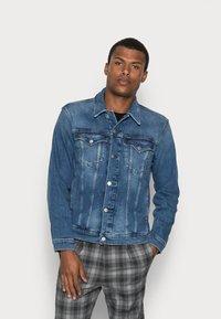 Calvin Klein Jeans - FOUNDATION SLIM JACKET - Veste en jean - mid blue - 0