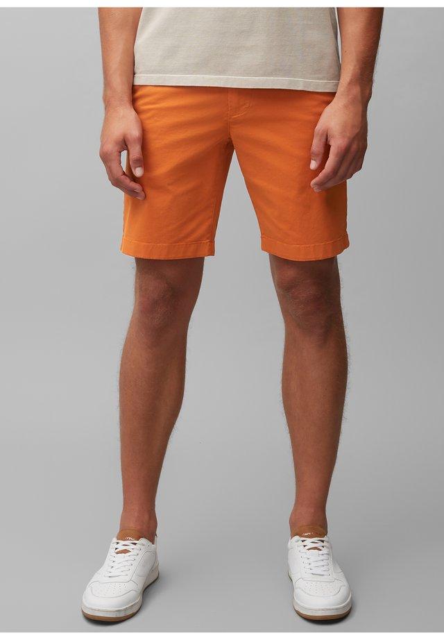 VISBY - Shorts - autumn maple