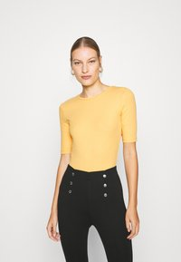Anna Field - Basic T-shirt - ochre - 0