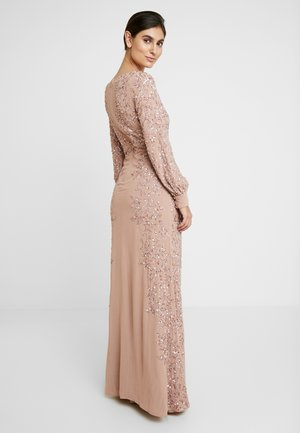 FLORAL EMBELLISHED MAXI DRESS WITH BISHOP SLEEVES - Galajurk - pale mauve