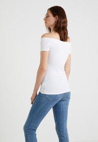 Lauren Ralph Lauren - Basic T-shirt - white - 2