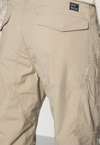 Vintage Industries - CONNER CARGO JOGGER - Cargo trousers - beige - 4