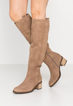Vysoká obuv - desert