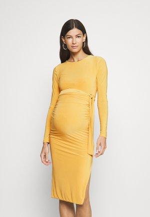 SLINKY TIE BELT  - Jersey dress - yellow