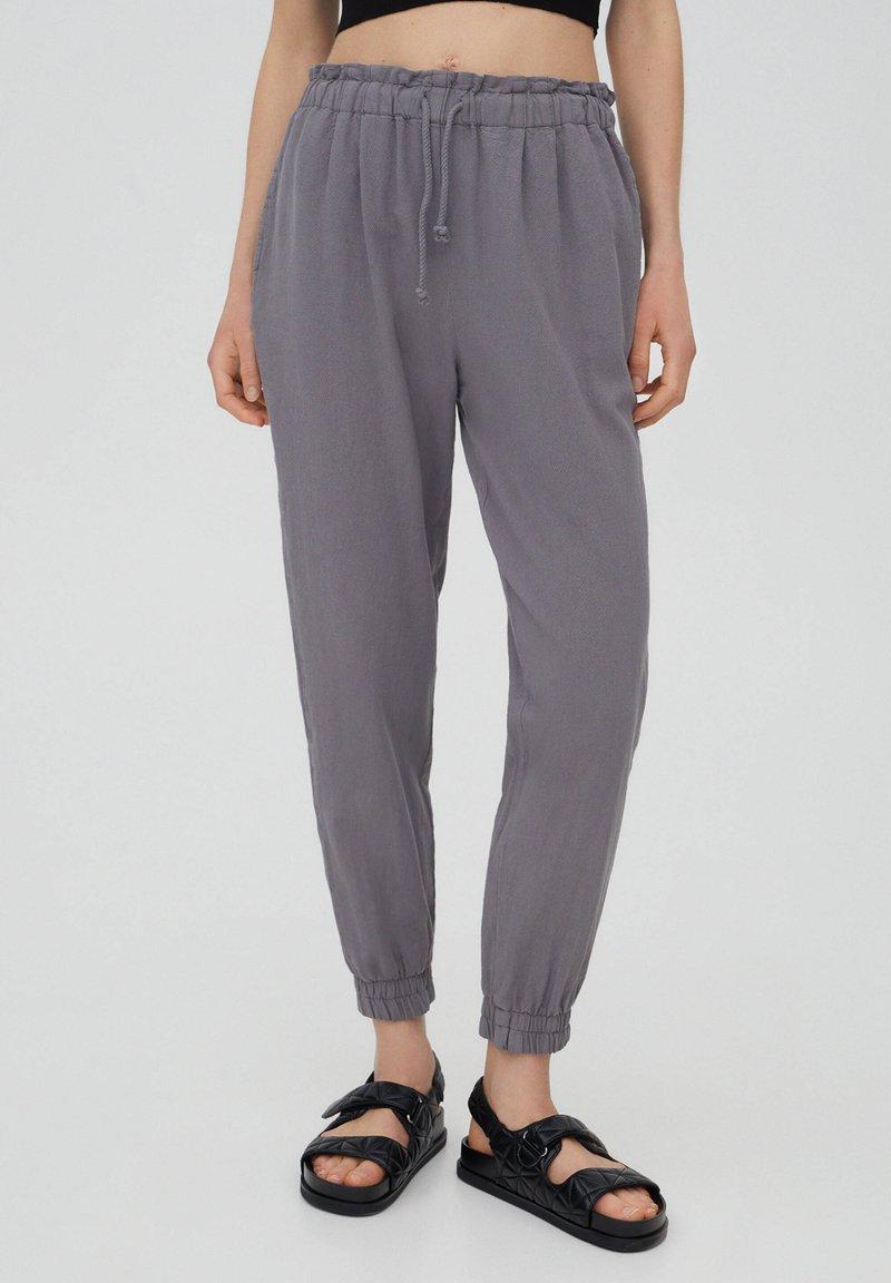 PULL&BEAR - Tracksuit bottoms - mottled light grey