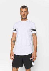 Jack & Jones Performance - JCOZDOUBLE STRIPE TEE 2 PACK - T-shirt med print - black/white - 1