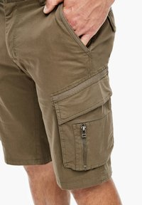 s.Oliver - REGULAR FIT - Shorts - khaki - 3