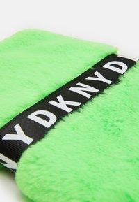 DKNY - SHOULDER BAG - Taška spříčným popruhem - fluo green - 3