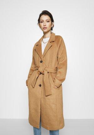 Płaszcz wełniany /Płaszcz klasyczny - camel