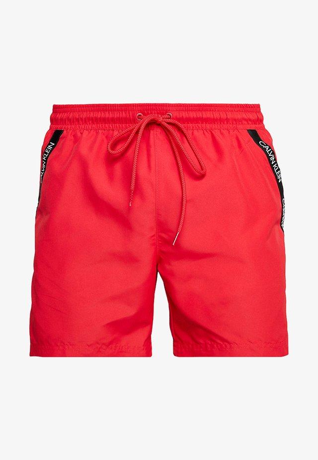 MEDIUM DRAWSTRING - Shorts da mare - lipstick red