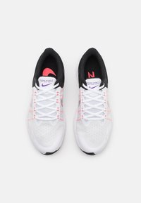 Nike Performance - WINFLO 8 - Neutrale løbesko - white/metallic silver/black/chlorine blue/flash crimson/wild berry - 3