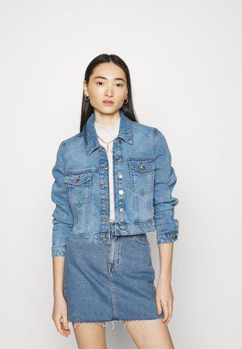 VMMIKKY SHORT JACKET - Denim jacket - light blue denim