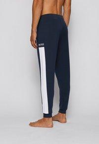 BOSS - Pantalon de survêtement - dark blue - 2