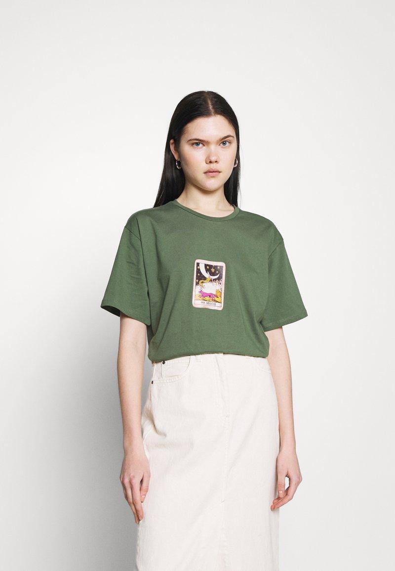 Trendyol - Print T-shirt - khaki