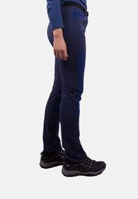 IZAS - Tracksuit bottoms - bluemoon/dark bluemoon - 2