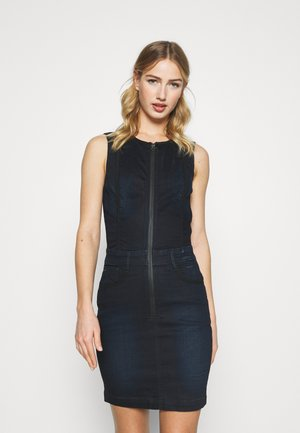 LYNN TYPE 30  - Denim dress - worn in nightfall
