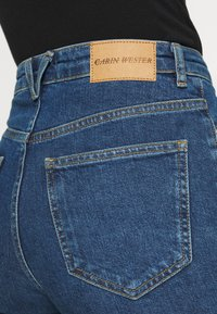Carin Wester - IMAN - Relaxed fit jeans - denim blue - 5