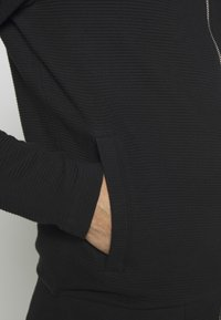 Jack & Jones PREMIUM - JPRGERAD ZIP CREW NECK - Cardigan - black - 4