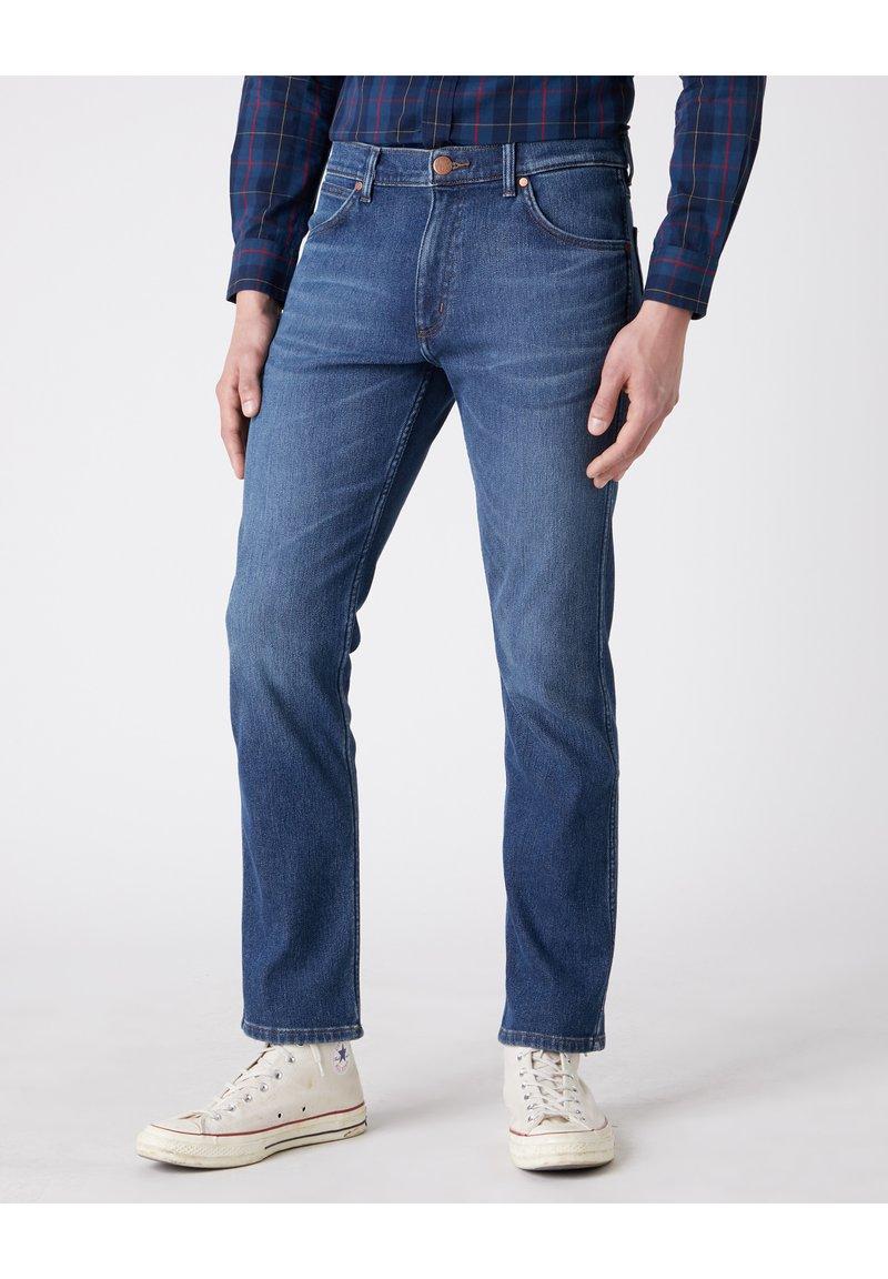 Wrangler - GREENSBORO - Straight leg jeans - blue