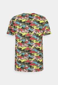 Brave Soul - CAMINGO - T-shirt med print - khaki/multi colour - 6