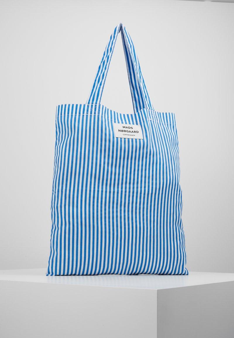 Mads Nørgaard - ATOMA - Tote bag - blue/white
