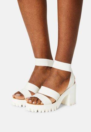 SOHOO - Sandales à talons hauts - white