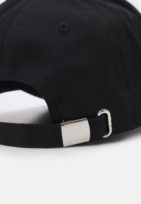 Calvin Klein - Cap - black - 3